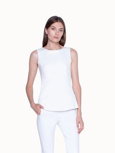 Akris® Official – Blouse in Lamb Nappa Stretch Leather with Round Neck Silhouette, Flare Pants, White Denim, Cotton Silk, Elegant, Stretches, Basic Tank Top, Stylists, Tank Tops