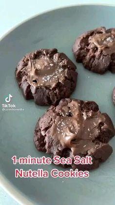 Mug Recipes, Easy Baking Recipes, Sweet Recipes, Cookie Recipes, Dessert Recipes, Think Food, Easy Snacks, Food Cravings, Bon Appetit