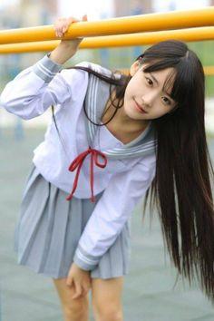 Cute Japanese Girl, Cute Korean Girl, Cute Asian Girls, Beautiful Asian Girls, Cute Girls, Japanese School, School Girl Japan, School Girl Outfit, Japan Girl