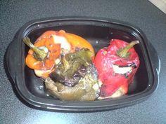 Poivrons farcis à la viande hachée cuisinée avec différentes épices.