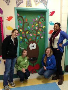 Christmas Door Decorating Contest Winners | Holiday Door Decorating Contest Apex Elementary ... | Portes de clas ...