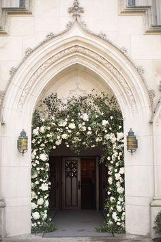 Wedding Reception At Home, Church Wedding Flowers, Church Wedding Ceremony, Church Wedding Decorations, Wedding Entrance, Altar Decorations, Chapel Wedding, Church Weddings, Archway Decor