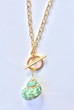 Shell necklace with gold plated chain and modern clasp, boho chic pendant, green shell, FREE SHIPPING Shell Pendant, Pendant Necklace, Boho Sandals, Shell Necklaces, Green And Gold, Boho Chic, Jewelry Box, Shells, Best Gifts