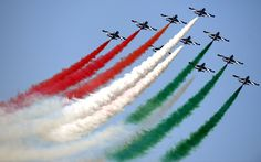 Members of the Italian Air Force, the 'Frecce Tricolori', perform with their Aermacchi aircraft during the International Air Show at the Hungarian Air Force base in Kecskemet. Independence Day Images Hd, 15 August Independence Day, National Flag India, Fall Wallpaper Tumblr, Plane Crafts, Shivaji Maharaj Wallpapers, Lucky Art, Indian Flag Wallpaper, Paint Fight