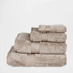 Cesta con tapa detalle marino zara home casa y zara for Zara home toallas bano