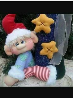 Would be too cute in polymer clay! Cute Christmas Ideas, Christmas Gnome, Christmas Sewing, Primitive Christmas, Christmas Inspiration, Christmas Crafts, Christmas Stuff, Christmas Trees, Dyi Crafts