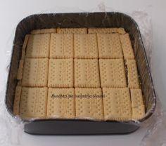 Prajitura cu biscuiti, mere si crema de vanilie - Bunătăți din bucătăria Gicuței Biscuit, Bread, Desserts, Food, Cookie Favors, Cookie, Deserts, Biscuits, Dessert