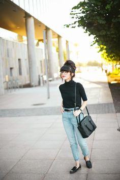 New Darlings: Day to Night Fall Style with JCPenney - light denim - black turtleneck Light Wash Jeans, Light Denim, Trendy Outfits, Winter Outfits, Fashion Outfits, Black Turtleneck Outfit, Look Fashion, Autumn Fashion, New Darlings