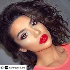 Beautiful makeup!