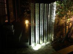 和モダンな庭、魅せるライティング 株式会社 極東 (2nd room) 滋賀県S様邸 Spectacular garden lighting by lighting professionals. Enjoy a dramatic, romantic, even mysterious scene comparing to a day time.