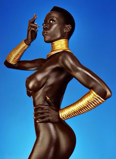 ∆- Is this a real live shoot or a painting...its gorgeous, the black and gold is amazing!