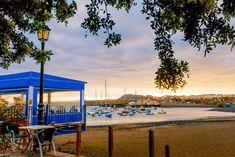 Mejores playas familiares, Playa Galletas Tenerife, Islas Canarias // Best family beaches, Tenerife, Canary Islands // Beste Familienstrände, Teneriffa, Kanarische Inseln    #VisitTenerife Best Family Beaches, Canary Islands, Patio, Outdoor Decor, Get Well Soon, Teneriffe, Terrace