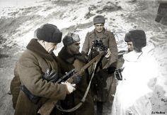 Vassili Zaitsev and Vasily chuikov - Stalingrad