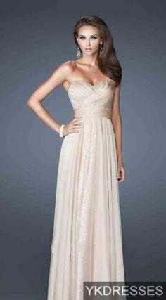 Elegant but simple evening dress. #Fashion #Shine #Beige
