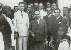 Juarez Távora, Getúlio Vargas e o então interventor da Bahia, Juracy Magalhães, um ano após a vitória da Revolução de 1930. Os dois romperam com Getúlio depois do Golpe de 1937.