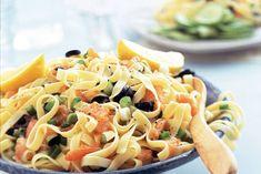 Kijk wat een lekker recept ik heb gevonden op Allerhande! Tagliatelle met citroen en gerookte zalm Pasta Recipes, Dinner Recipes, Tasty, Yummy Food, Pasta Salad, Italian Recipes, Noodles, Rice, Ethnic Recipes