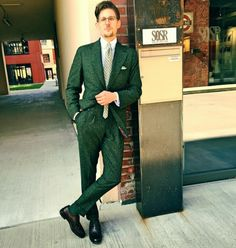 Sunny Saturday at my favorite hangout: green donegal tweed, OCCC and a springy green silk tie.