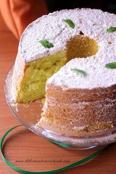 Erano anni che sognavo di fare questo dolce sin da quando avevo visto la ricetta di Martina. Questa torta è di un profumo e di un aroma incredibili, credetemi se vi dico che è uno dei dolci di questo