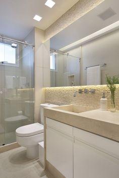 Banheiro decoração bathroom, bathroom toilets e bathroom int Bathroom Mirror Lights, Rustic Wall Mirrors, Decorative Mirrors, Vanity Mirrors, Vanity Decor, Bad Inspiration, Bathroom Inspiration, Small Bathroom, Master Bathroom