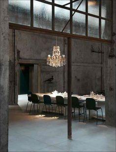 Ресторан Carlo e Camilla и коктейль-бар в исторической лесопилке