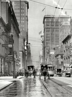 Fourth Street, Cincinnati, Ohio - Circa 1910 Old Time Photos, Old Pictures, Cincinnati, Cleveland, Shorpy Historical Photos, Ohio River, Photo Archive, Vintage Photos, Old Things