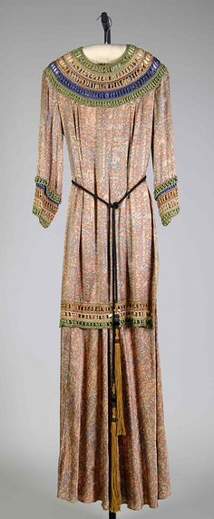 1932 - American evening dress, silk. An interesting late example of Egyptomania