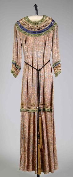 1932 - American evening dress, silk. An interesting late example of Egyptomania