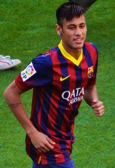 Neymar - futebolista capitão da Seleção Brasileira