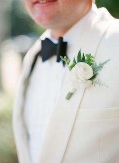 #boutonniere #groom #groomsmen #boutonnieres #wedding #blooms #details