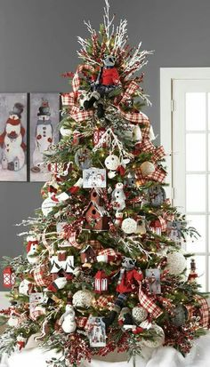 RAZ 2015 Graphic Woodland Christmas Tree visit for RAZ Christmas decorations Beautiful Christmas Trees, Colorful Christmas Tree, Christmas Tree Themes, Plaid Christmas, Christmas Home, White Christmas, Christmas Holidays, Vintage Christmas, Christmas Movies