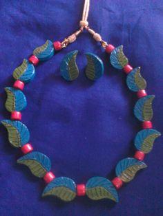 Leaves style terracotta jewellery