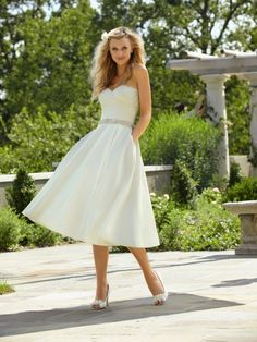 A-Line Strapless Sweetheart Satin Tea Length Wedding Dress With Pockets