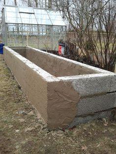 T som i Trädgård: Uppmurad odlingsbädd T as in Garden: Walled cultivation bed