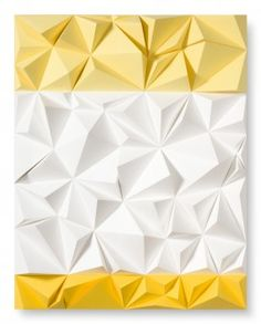 """""""Amarillo"""" Papel pintado con acrílico y plegado sobre madera.  Autor: Daniel Martinez"""