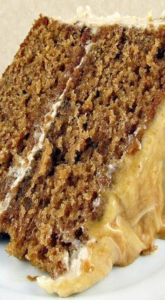 Caramel Apple Layer Cake with Cream Cheese Frosting - Dessert and Snack Recipes - Gateau Fall Desserts, Just Desserts, Delicious Desserts, Apple Recipes, Sweet Recipes, Baking Recipes, Frosting Recipes, Cake Recipes, Dessert Recipes