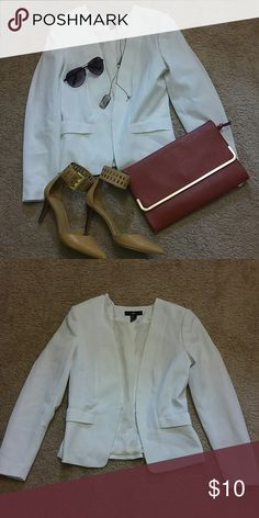 H&M White Blazer Loved...worn a few times...excellent condition no stains or marks...needs a new home H&M Jackets & Coats Blazers