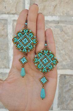 Earrings Mosaic beading pattern – Art – Art is my life. Beaded Earrings Patterns, Beaded Jewelry Designs, Seed Bead Jewelry, Bead Jewellery, Seed Bead Earrings, Beading Patterns, Seed Beads, Jewelry Ideas, Seed Bead Tutorials