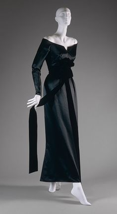"""""""Y"""" evening dress, fall/winter 1955–56 Christian Dior (French, 1905–1957); Christian Dior Haute Couture (French, founded 1947) Silk"""
