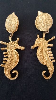 SEA HORSE CLOSE UP EARRINGS AND ROUND PENDANT 3 SIZES gfh7Z