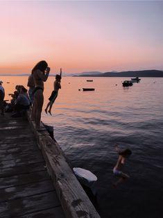 Best Friend Pictures, Friend Photos, Summer Nights, Summer Vibes, Lake Pictures, Summer Pictures, Summer Goals, Summer Dream, Summer Feeling