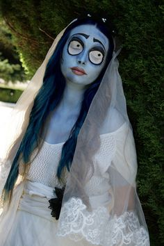Corpse bride Emily Halloween costume and makeup