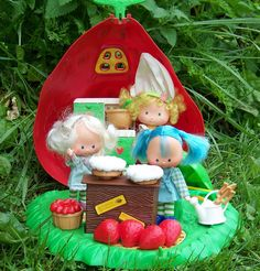 Strawberry Shortcake Bake Shoppe Play Set Treasury by retrokitsch