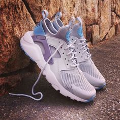 cheap for discount 96025 375c7 Instagram post by ❤ Loversneakers • Aug 4, 2016 at 10 30am UTC. Nike Air  Huarache ...