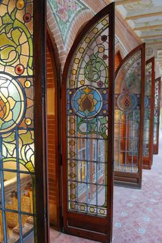 Glass door decorations art nouveau 60 Ideas for 2019 Stained Glass Door, Leaded Glass, Mosaic Glass, Glass Doors, Cool Doors, Unique Doors, Art Nouveau, Doorway, Door Knobs