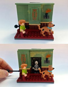 """""""Like I don't like this creepy mansion Scoob."""" Pull the lever to reveal a hidden monster! Lego Minifigure Display, Lego Custom Minifigures, Lego Haunted House, Lego House, Legos, Lego Halloween, Holidays Halloween, Lego Calendar, Lego Scooby Doo"""