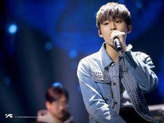 Park Jeongwoo | YG Treasure Box ✨ || 1:1 STAGE BEHIND CUT Treasure Maps, Treasure Boxes, Yoshi, Fandom, New Boyfriend, Jung Woo, Yg Entertainment, Beautiful Boys, Photo Cards