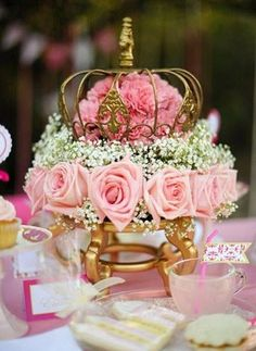 Beautiful rose crown centerpiece for the main table of a sweet sixteen