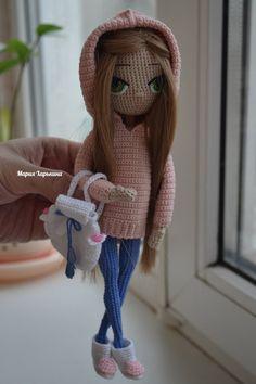 Teen in a hoodie. Diy Crochet Doll, Crochet Doll Clothes, Knit Crochet, Amigurumi Patterns, Amigurumi Doll, Cat Pattern, Pretty Dolls, Doll Toys, Crochet Dolls