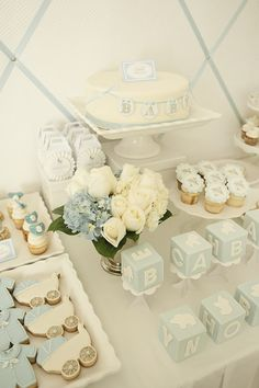Ideas Baby Shower Ideas For Boys Decorations Decor Dessert Tables For 2019 - Baby Shower Party Decorations Baby Shower Cakes, Baby Shower Azul, Shower Bebe, Baby Boy Shower, Baby Shower Table Set Up, Classy Baby Shower, Unisex Baby Shower, Baby Shower Flowers, Shower Party