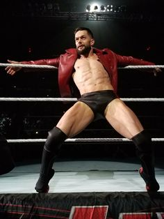 A prince/A demon Finn Balor Demon King, Japanese Wrestling, Wwe Live Events, Balor Club, Boys Boxers, Athletic Men, Professional Wrestling, Wwe Wrestlers, Underwear